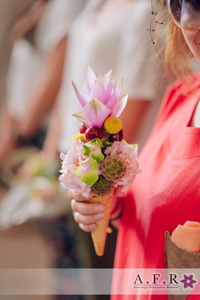 Cum salvezi florile pe canicula?